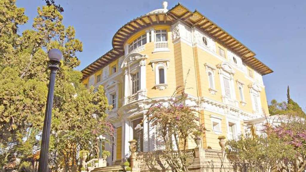 Palacio Portales in Queru Queru